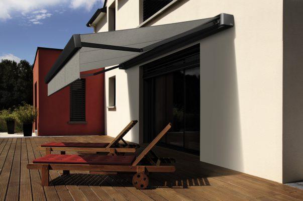 Sonnenstore auf Terrasse